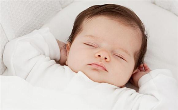 宝宝感冒反复发烧如何治疗呢?